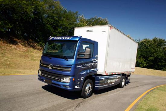 Ambev terá 1.600 caminhões elétricos da VW até 2023