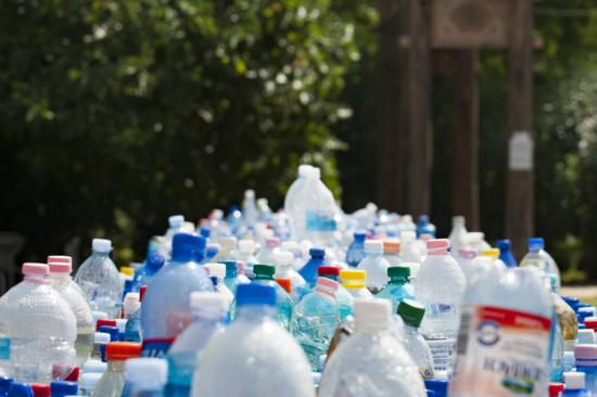 Cientistas anunciaram o avanço rumo ao plástico infinitamente reciclável