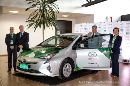 Toyota Brasil apresenta protótipo de veículo híbrido flex