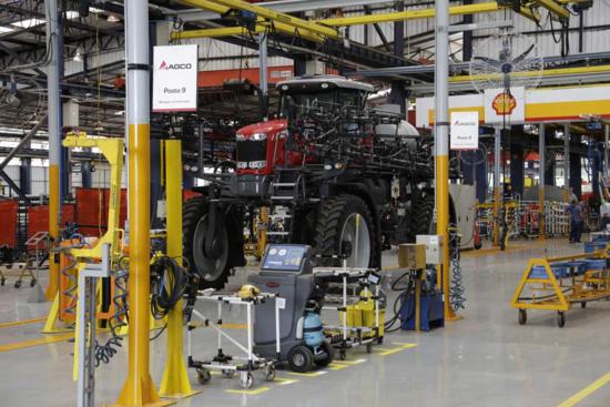 AGCO amplia fábrica para introduzir novos produtos